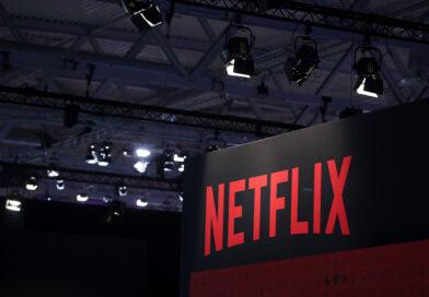 Netflix ahora permite descargar y almacenar automáticamente contenido sin limitaciones